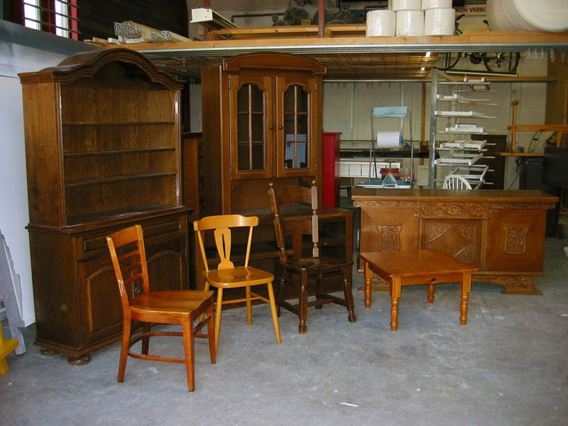 Eiken meubels voor het spuiten