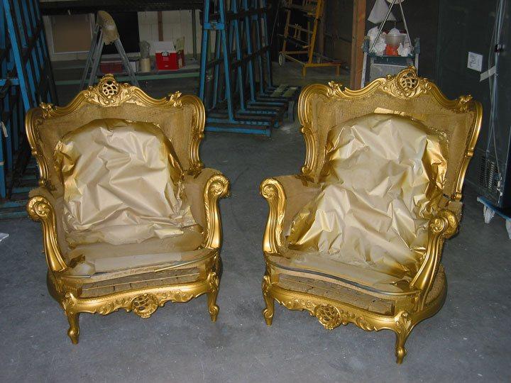 antieke lodewijkstoelen spuiten