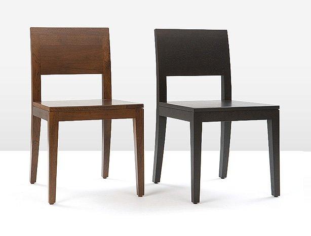 overspuiten en kleurbeitsen houten stoelen