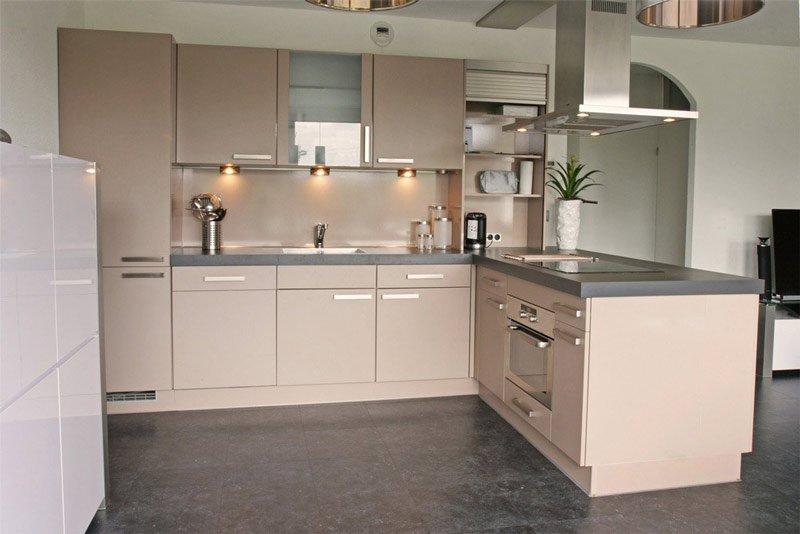 keukenkastjes kookeiland voor spuiten