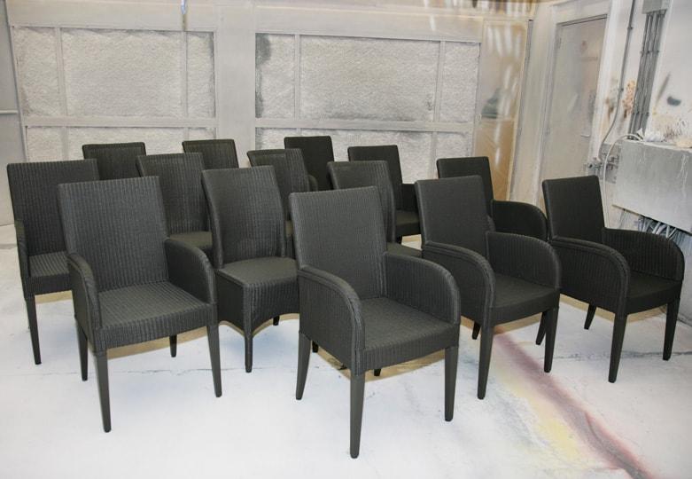Lloyd Loom stoelen spuiten