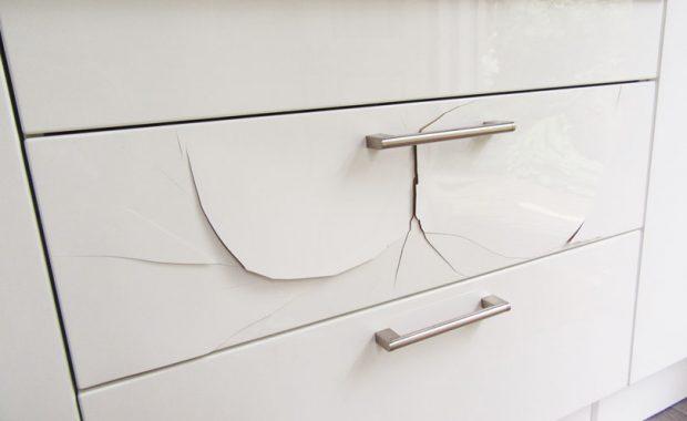 plastic folie keukenkastjes laten repareren