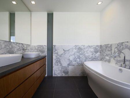 badkamer meubel spuiten en beitsen